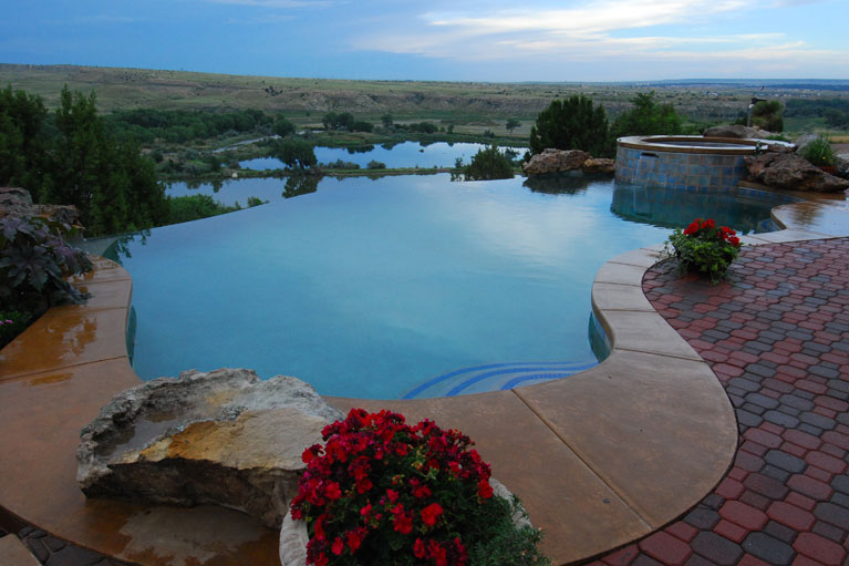 private infinity pool constructed in pueblo, colorado
